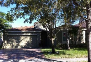 4/2 REO Bank Owned Property in Riviera Isles of Miaramar
